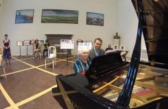 Nový český rekord: 20 hodin hráli na klavír, nejmladší měl 6 let, nejstarší 86