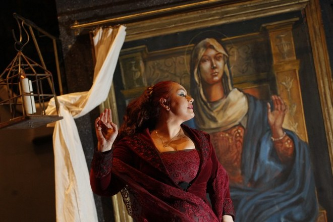 G. Puccini: Tosca - Anda-Louise Bogza (Tosca) - SO Praha (foto archiv ND)