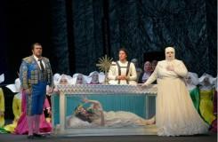 Giuseppe Verdi: Der Troubadour - Deutsche Oper Berlin (foto  Bettina Stöss)