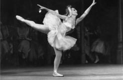 První roli dostala v osmi, u baletu vydržela až do smrti