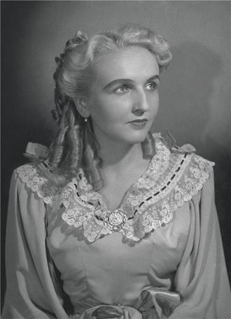 K.Kovařovic: Na Starém bělidle - Jaroslava Vymazalová (Komtesa Hortensie) - ND Praha 1949 (foto Josef Heinrich)