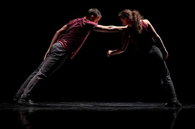 Kubak Danza/David Guerra: Outline - Tanec Praha 2016 (foto Nohelia Velo, Daniel Guinda, Juan Carlos)