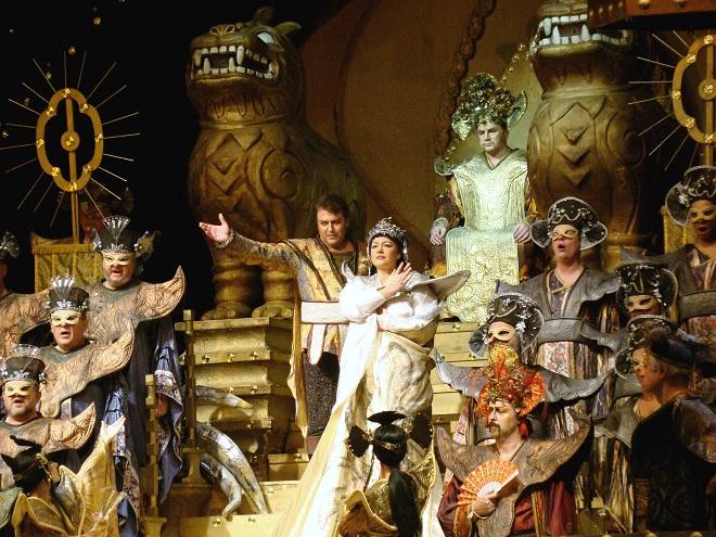 G.Puccini: Turandot - ND Praha 2016 (foto ND Praha)