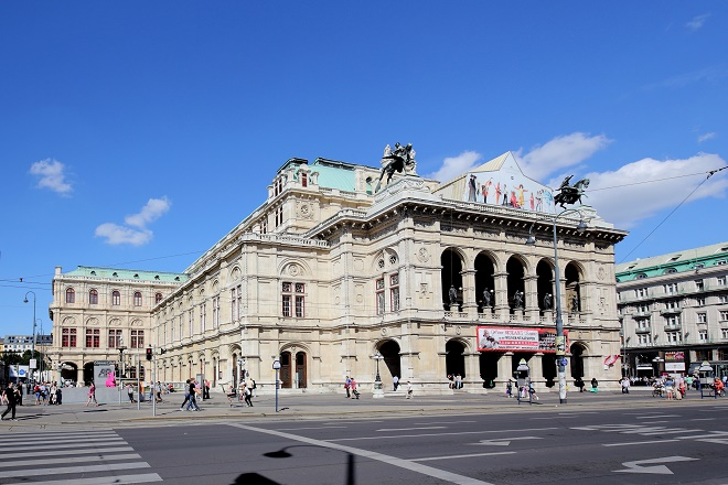 Vídeňská státní opera (zdroj wikiwand.com)