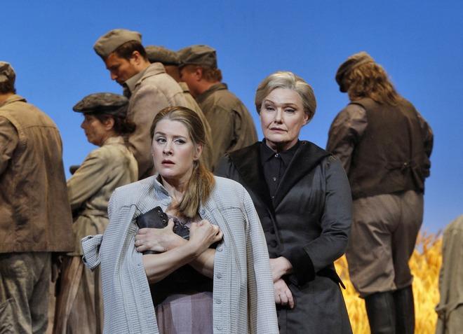 Leoš Janáček: Jenůfa - Malin Byström (Jenůfa), Karita Mattila (Kostelnička) - San Francisco Opera 2016 (foto Cory Weaver)