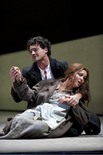 Vittorio Grigòlo s Annou Netrebko v Manon – Royal Opera House Londýn 2010 (foto © Royal Opera House / Bill Cooper)