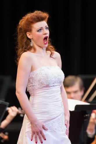 Smetanova Litomyšl 2016: Slavnostní zahajovací koncert - Marie Fajtová - Zámecké nádvoří Litomyšl 2016 (foto Smetanova Litomyšl)