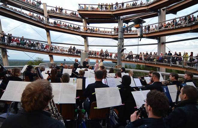 Rossini in Wildbad - zahajovací koncert 2016 -Baumwipfelpfad Schwarzwald (foto FB festivalu/Kienzler)