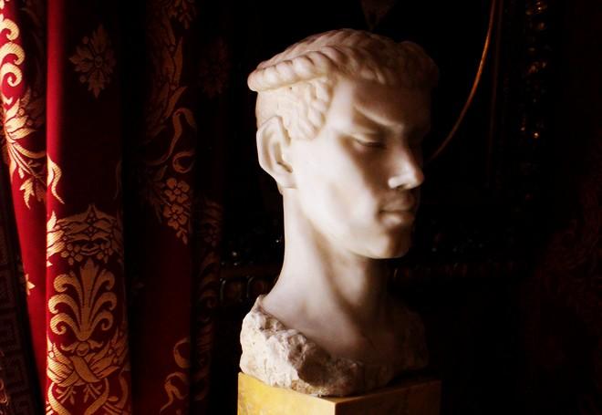 Busta Nižinského v múzeu Teatro alla Scala (foto Pavol Juráš)