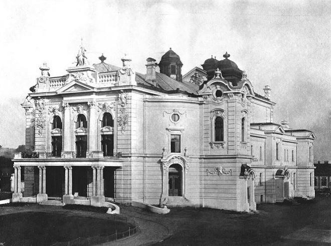Divadlo Antonína Dvořáka Ostrava (foto theatre-architecture.eu)