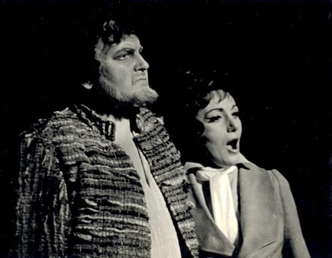 L. van Beethoven: Fidelio - František Livora (Florestan), Elena Kittnarová - SND Bratislava 1974 (foto archív SND)