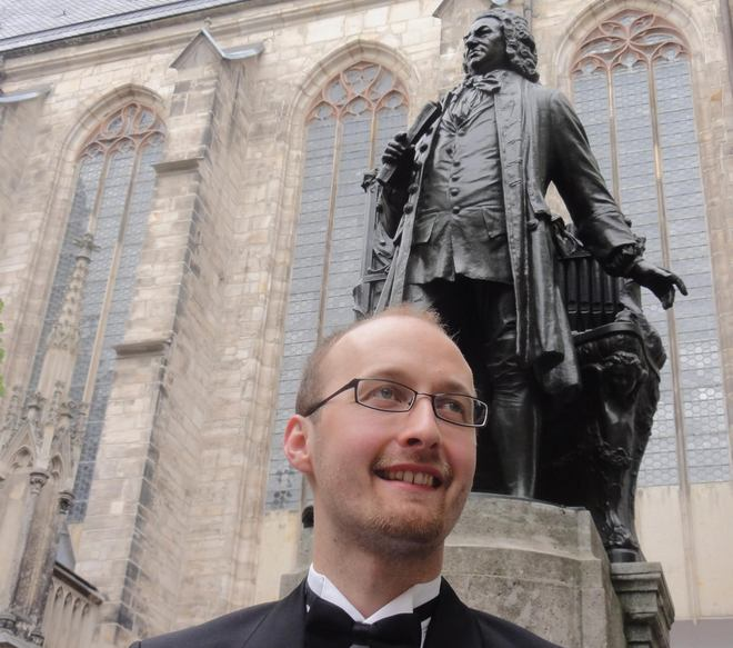 Pavel Svoboda u Bachova pomníku cestou na své finálové vystoupení - Lipsko 2016 (foto Jaroslav Tůma)