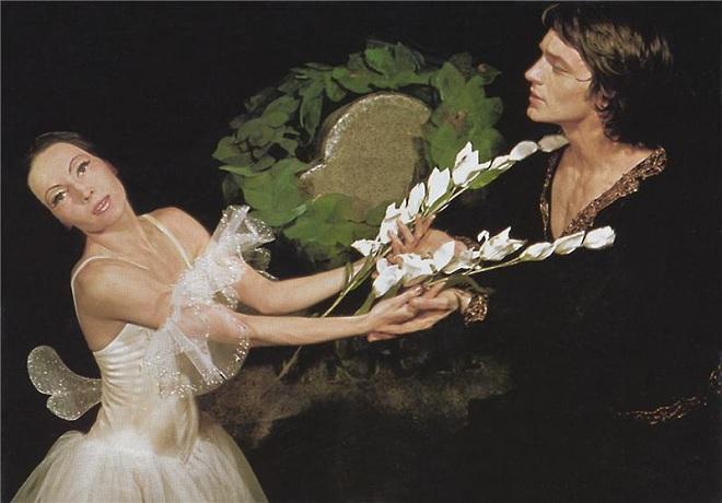 A.Ch.Adam: Giselle - Marta Drottnerová (Giselle), Vlastimil Harapes (Vévoda Albert) - ND Praha 1969 (foto Pavel Horník)