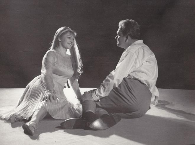 B.Martinů: Julietta - Jindra Pokorná (Julietta), Jiří Olejníček (Michel) - ND Brno 1966 (foto Rafael Sedláček)