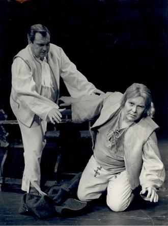 E.Suchoň: Krútňava - František Livora (Ondrej), Peter Mikuláš - SND Bratislava 1988 (foto archív SND)