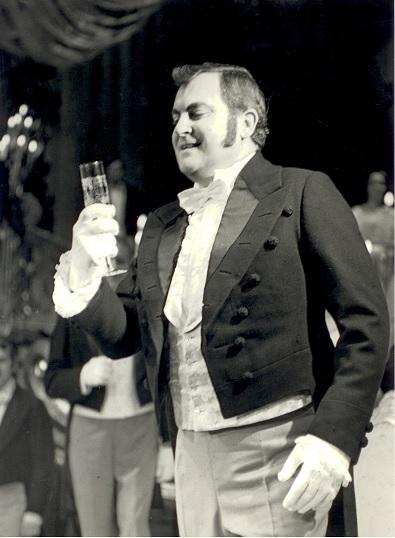 G.Verdi: La traviata - František Livor (Alfréd) - SND Bratislava 1975 (foto archív SND)