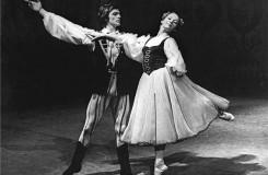 J. A. Maklakiewicz: Lowiczské tance - Marta Drottnerová (Dívka), Vlastimil Harapes (Chlapec) - ND Praha 1974 (foto Jaromír Svoboda)
