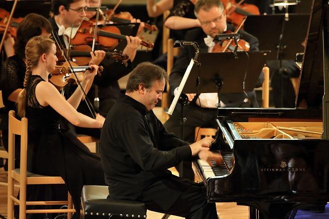 Alexei Volodin, Plzeňská filharmonie - MHF Český Krumlov 2016 (foto Libor Sváček)