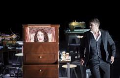 Hoffmannovy povídky se třemi Hoffmanny a Massenetova Popelka v Berlíně