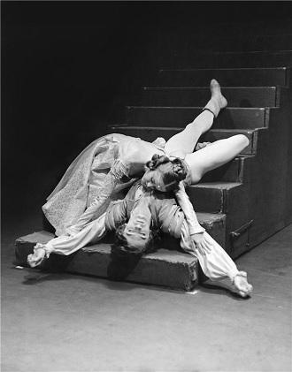 S.Prokofjev: Romeo a Julie - Anetta Voleská (Julie), Vlastimil Harapes (Romeo) - ND Praha 1971 (foto Jaromír Svoboda)