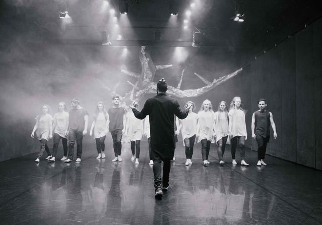 Svätenie jari - choreografie Jiří Bartovanec - Konzervatoř Duncan centre 2016 (foto Adéla Horelicová)