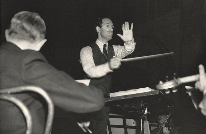 George Gershwin diriguje (foto archiv autora)