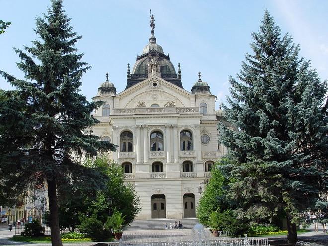 Státní divadlo Košice (zdroj sk.wikipedia.org)