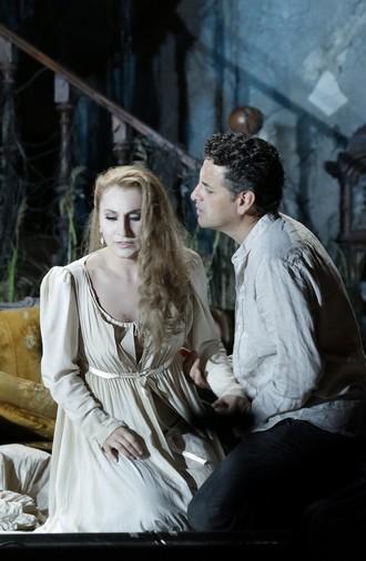 Gioachino Rossini: La donna del lago - Salome Jicia (Elena), Juan Diego Flórez (Giacomo V-Uberto) - Rossini Opera Festival 2016 (foto Studio Amati Bacciardi)