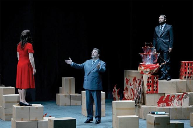 Richard Wagner: Der Fliegende Holländer - Adrianne Pieczonka (Senta), Franz-Josef Selig (Daland) Samuel Youn (The Dutchman) - Bayreuther Festspiele 2012 (foto © Bayreuther Festspiele)