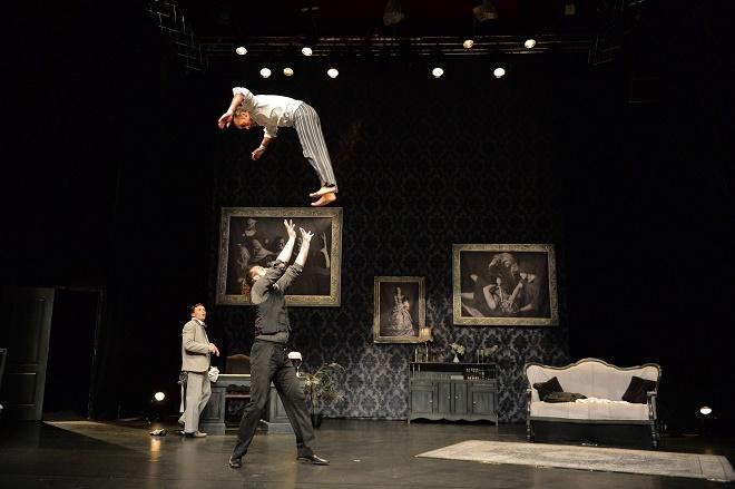 The Elephant in the Room - Cirque Le Roux - Letní Letná 2016 (foto František Ortmann)