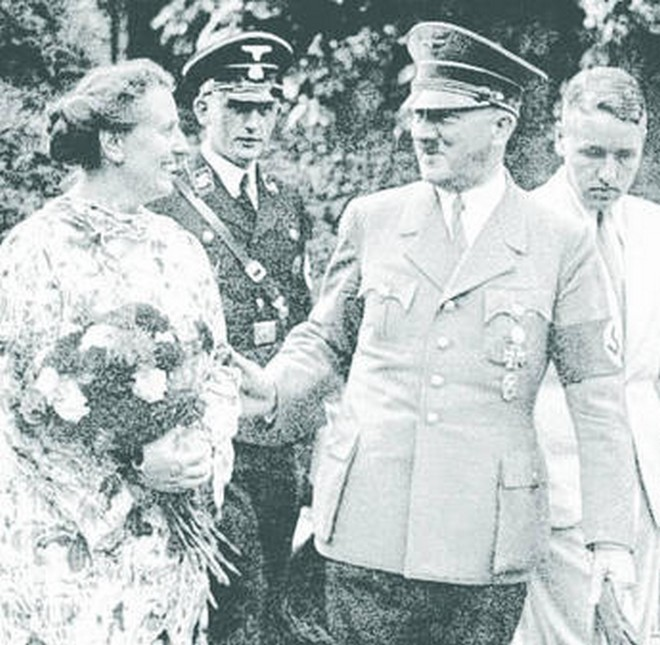 Wagnerova rodina s Adolfem Hitlerem (foto archiv autora)