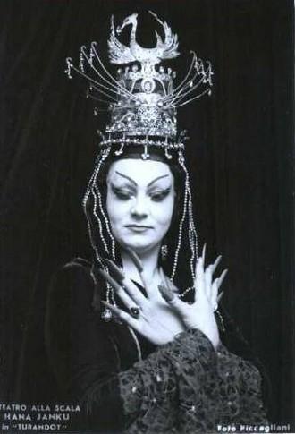 Giacomo Puccini: Turandot - Hana Svobodová-Janků (Turandot) - Teatro alla Scala Miláno 1968 (foto Piccagliani)