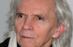 Černý svět, kde herce neuvidíte. Zakladatel černého divadla Jiří Srnec slaví 85. narozeniny