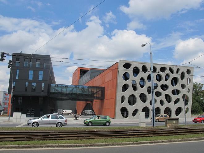 Nové divadlo v Plzni (zdroj commons.wikimedia.org/Hadonos)