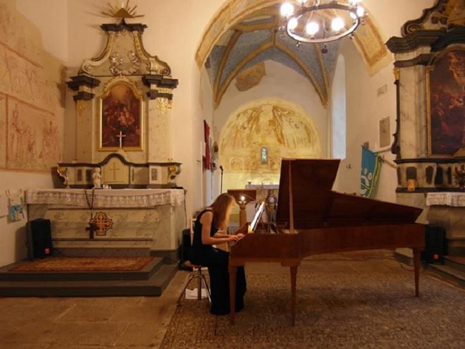 Koncert duchovní hudby - Alena Hönigová - Mouřenecké léto 2016 (foto archiv autora)