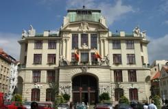Praha chce na grantech v příštím roce rozdat o 50 milionů víc
