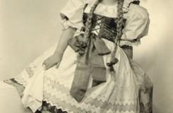 B. Smetana: Prodaná nevěsta - Štěpánka Jelínková (Mařenka) - Zemské divadlo Brno 1936 (foto Skácel Brno)