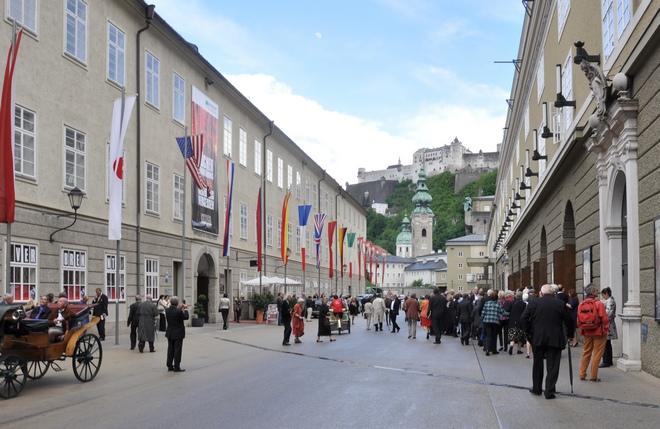 Grosses Festspielhaus Salcburk (zdroj commons.wikimedia.org / Andreas Praefcke)