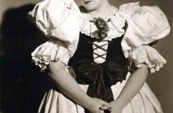 B. Smetana: Hubička - Štěpánka Jelínková (Vendulka) - Zemské divadlo Brno 1940 (foto gabrielajelinkova.com)
