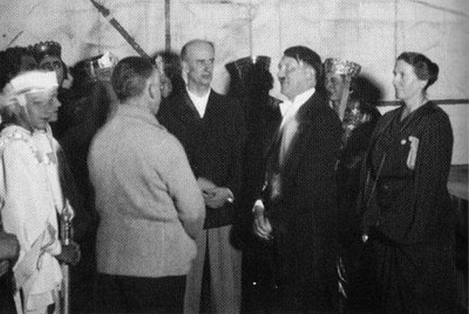 Adolf Hitler v Bayreuthu (foto archiv)