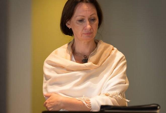 Dana Burešová při zkoušce (foto Kathy Wittman/Odyssey Opera)