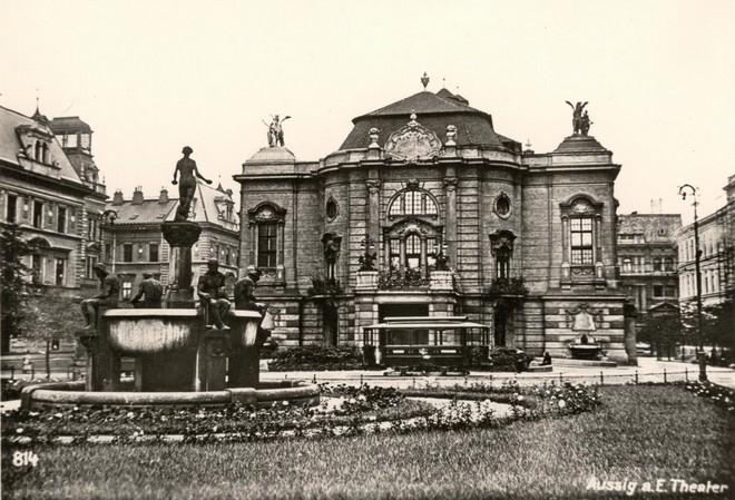 Státní divadlo Zdeňka Nejedlého Ústí nad Labem (zdroj theatre-architecture.eu)