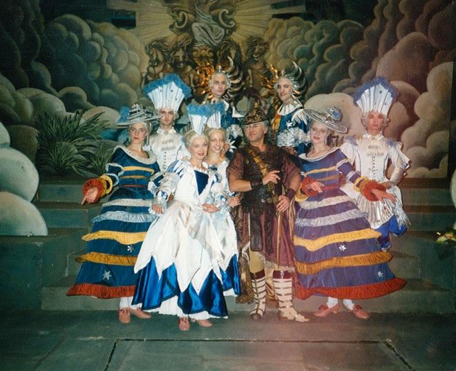 Tanečníci a Roman Janál (foto archiv)