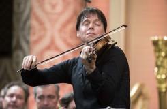 Fenomenální a poetický Joshua Bell