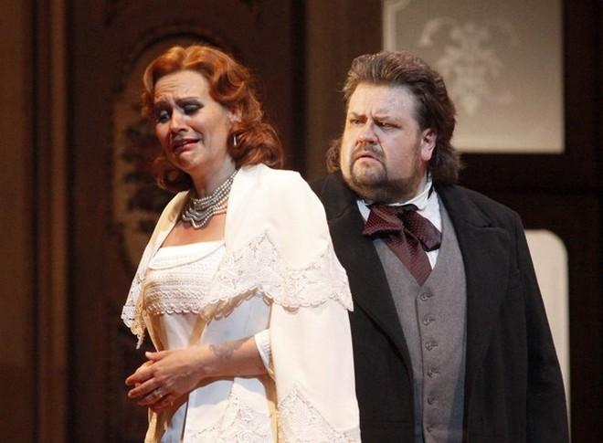 Richard Wagner: Tannhäuser - Anja Kampe (Elisabeth) a Johan Botha (Tannhäuser) - Wiener Staatsoper 2010 (foto WSO)