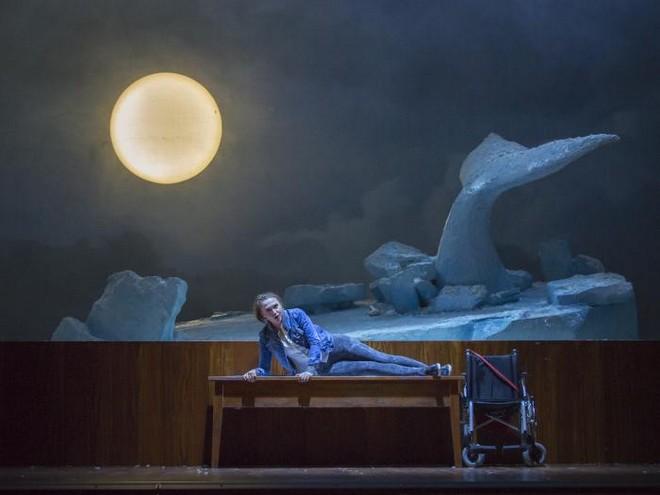Antonín Dvořák: Rusalka - Anna-Maria Kalesidis (Rusalka) - Tiroler Landestheater Innsbruck 2016 (foto © Tiroler Landestheater Innsbruck)