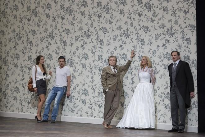 Anno Schreier: Hamlet - Theresa Kronthaler (Ophelia), Andrè Schuen (Hamlet), Jochen Kowalski (Der tote Hamlet), Marlis Petersen (Gertrud), Bo Skovhus (Claudius) - Theater an der Wien 2016 (foto © Monika Rittershaus)