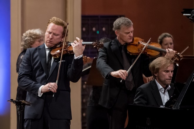 Dvořákova Praha 2016 - Daniel Hope, Ivo Kahánek, Zurich Chamber Orchestra - Rudolfinum Praha 2016 (foto Martin Divíšek/Dvořákova Praha)