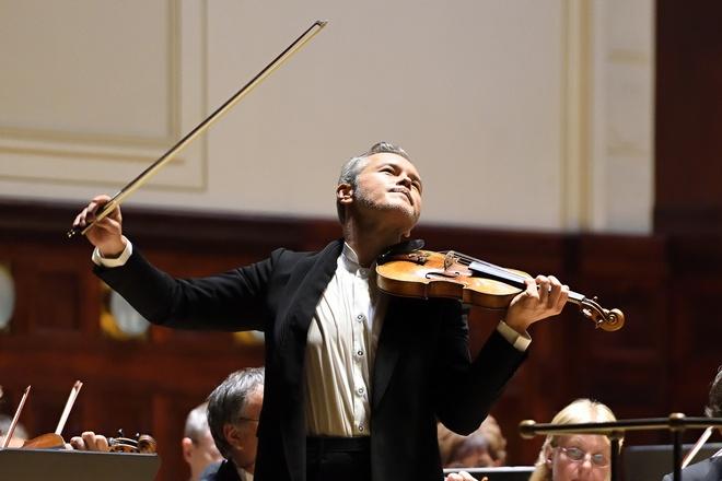 Vadim Repin a Symfonický orchestr hl.m.Prahy FOK - Obecní dům 14.9.2016  (foto Petr Dyrc)