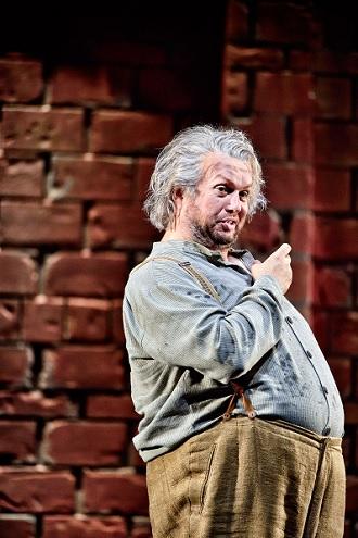 G. Verdi: Falstaff - Federico Longhi (Sir John Falstaff) - Landestheater Linz 2016 (foto © Patrick Pfeiffer)